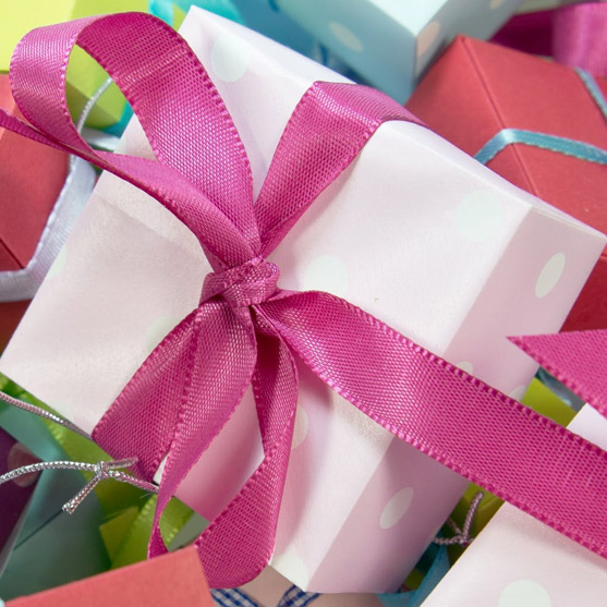 Freelance gift wrapping